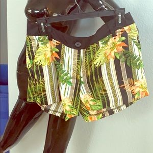 Silky low rise Shorts Bamboo/orange flower print